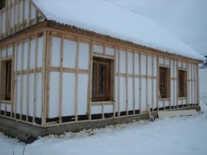 Можно ли утеплить дом из дерева пенопластом