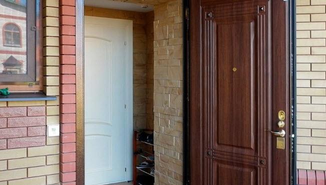 Дополнительная дверь